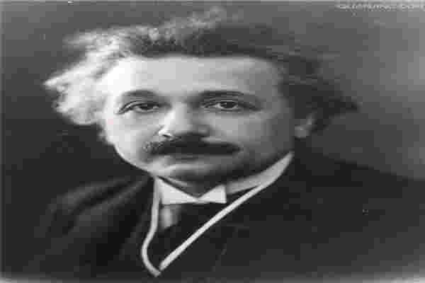 爱因斯坦相对论-爱因斯坦世界十大杰出物理学家之一