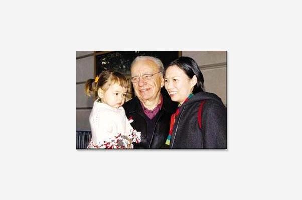 邓文迪父母+家庭照片