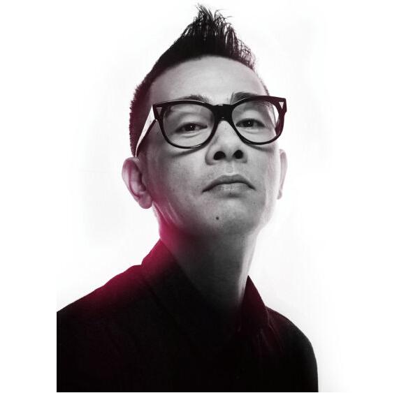 陈小春的艺术照图片_励志大学