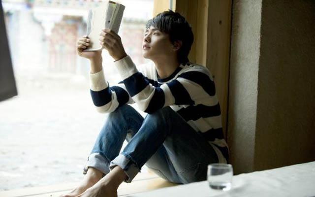 马天宇读书照_励志大学