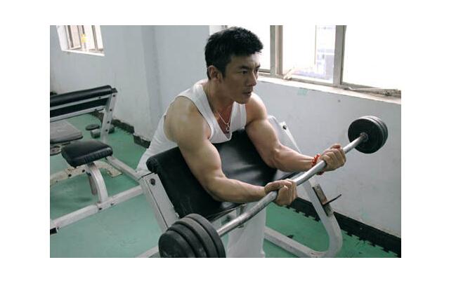 任天野健身图片_励志大学