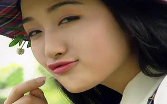 杨钰莹侧脸照_励志大学