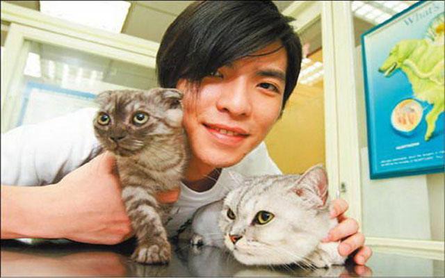 萧敬腾与猫咪_励志大学
