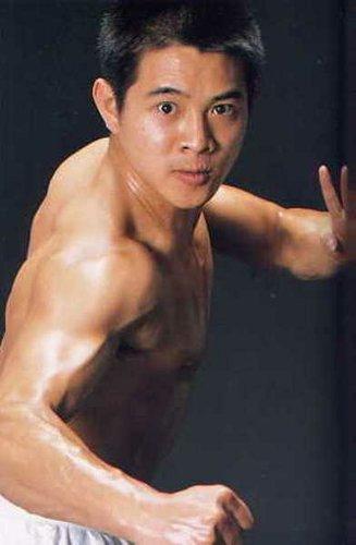李连杰名人的肌肉励志图片_励志大学